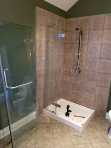 32x32 Shower with glass . Base