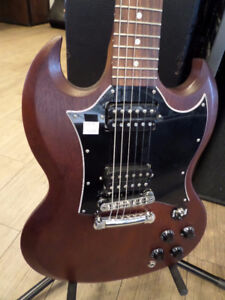 2016 Gibson Electric Guitar (Excellent condition)