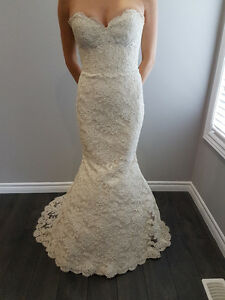 Preowned Designer Wedding Dress