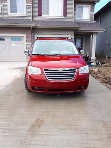 2008 Chrysler town n country Touring with low Ks
