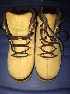 Boys Timberland Boots - Size 2 - Barely Worn