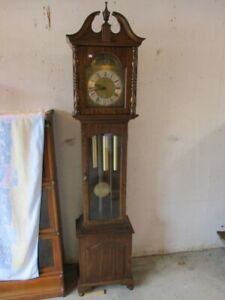 DIGNIFIED GRANDFATHER CLOCK FROM ESTATE