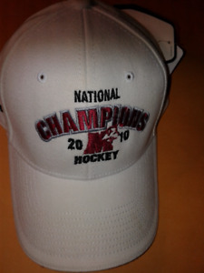 NWT St Mary's Huskies Hockey 2010 CIS Champs Adidas Cap