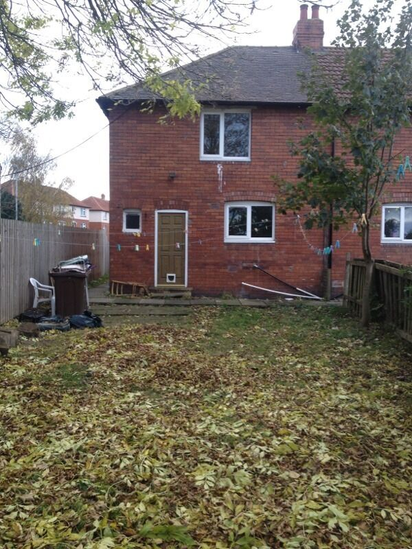 2 Bed End Terrace Portobello Wakefield With Garden Near Pugney's ...