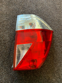 2004-2009 HONDA FRV F-RV RIGHT SIDE RHD REAR TAIL LIGHT TAIL LAMP