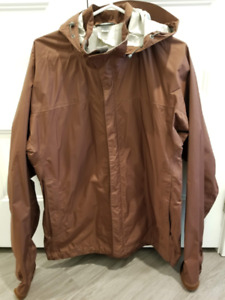 Men's MEC Rain Coat (Size Large)