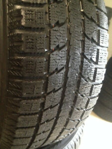 Set of 4 Toyo  Winter tires  235/55/17
