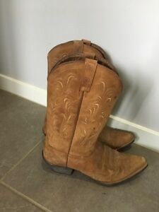 Cowgirl boots Redlynch Cairns City Preview