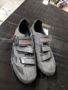 Road cycling shoes (SPD- SL)