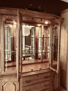 Very RARE  Kincaid China Cabinet- Governors Oak! Mint Condition