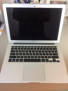 "Macbook Air 13"" - Great Condition!"