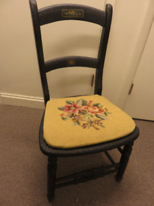 1 VICTORIAN BLACK PAINTED CHAIR WITH NEEDLE POINT SEAT
