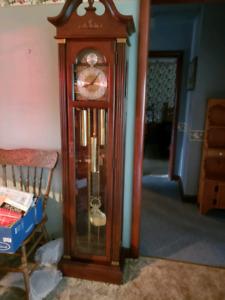 Grandfather clock- pickup in caledonia