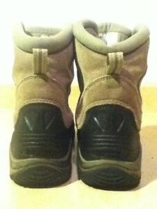 Youth Columbia Bugaboot Winter Boots Size 7 London Ontario image 3
