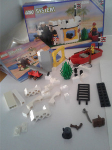 LEGO 6266 Cannon Cove VTG incomplete /w Box & Manual