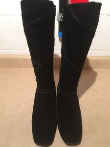 Women's Tall Black Winter Boots Size 9 London Ontario image 4