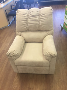 Previously Enjoyed Darcy Recliner