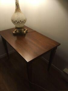 Table de salon antique à vendre (2x)