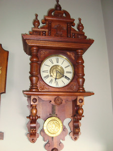 VINTAGE VICTORIAN GOTHIC STYLE WOOD WALL CLOCK