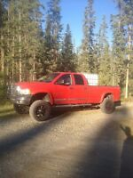 2005 Dodge Cummins 2500 4x4 crew cab long box Laramie loaded