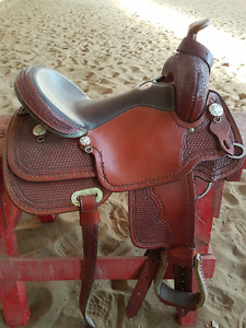 Multi Purpose Saddle w/ matching Breast Collar