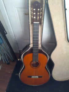 Yamaha CG-130 left handed acoustic guitar and case
