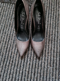 Leather high heels, used just once, size 4