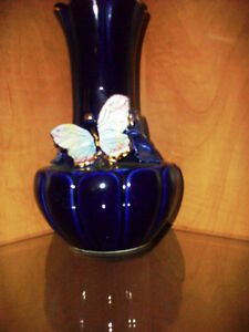 Dark Blue fine porcelain vase with butterfly Cambridge Kitchener Area image 1