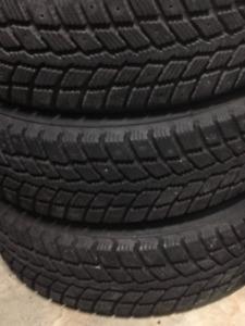 Winter tires with rims  /Pneus d'hiver avec jantes