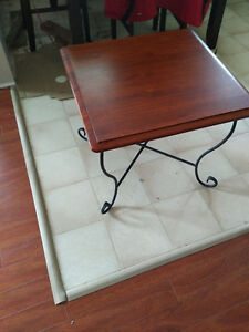 coffee table and 2 matching end tables - unused
