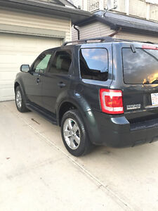 2009 Ford Escape XLT-  4WD – Blue Tooth