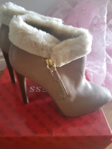 Guess boots, never worn