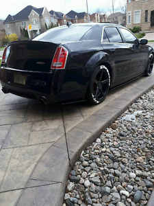 2012 chrysler 300 srt very rare