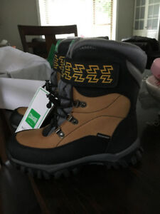 Cougar waterproof winter boys boots size 4