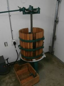 Wine/fruit Press with shredder