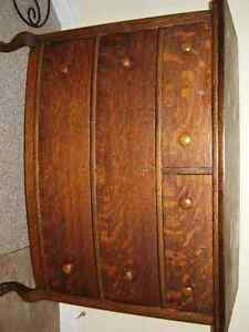 DRESSER Peterborough Peterborough Area image 1