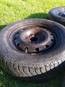 Snow tires with rims - Goodyear Ultra Grip 215/65R16 Cambridge Kitchener Area image 3