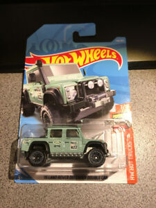 Hot wheels 15 Land Rover Defender Double Car Green