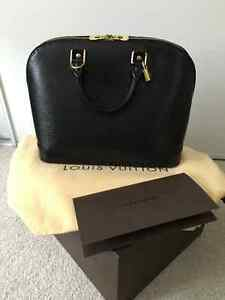 SELLING AUTHENTIC LOUIS VUITTON ALMA PM EPI BLACK