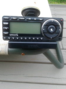 Portable Sirius FM satellite radio receiver
