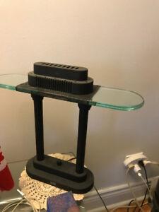 tres belle lampe de bureau ou de table