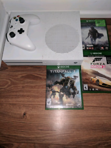 Xbox one S 500GB 3 Games