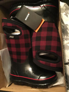 "Kids Size 11 ""Bogs"" Brand Insulated Winter Boots"