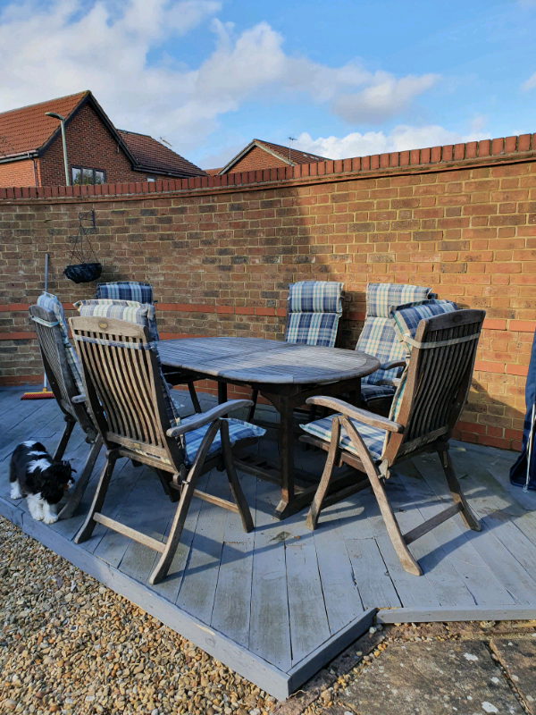 Garden furniture + 6 chairs + 6 cushions   in Didcot ...