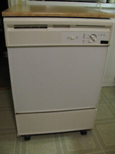 Portable Dishwasher on wheels - Full-size white, faux wood top