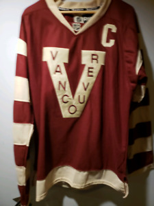 hot sale online 24a89 10450 Jersey Vancouver Canucks | Buy or Sell Hockey Equipment in ...