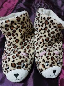 Ladies Animal slippers