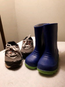 Size 6 rubber boots and new balance sneakers
