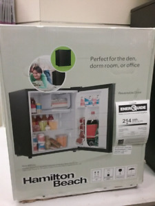 Hamilton Beach compact refrigerator, 2.7 cubic ft.