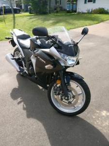 *Price Reduced* 2012 Honda CBR250,ABS.